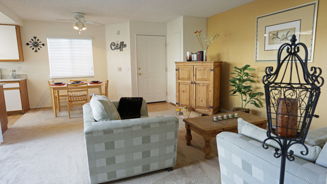 homes for rent in fontana ca with swimming pool